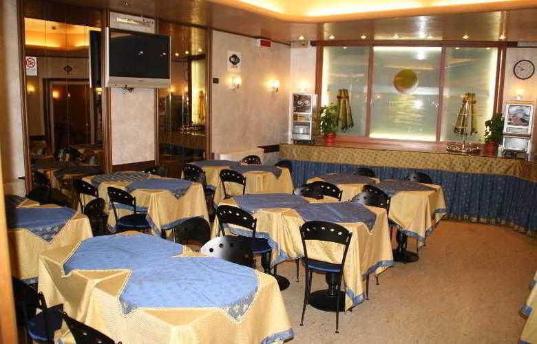 Centrale - Restaurant - 16
