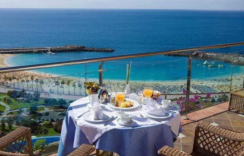 Gloria Palace Royal Hotel & Spa - Terrace - 8