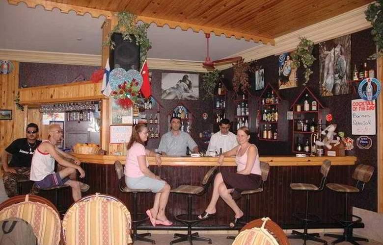 Kleopatra Bavyera Hotel - Bar - 3