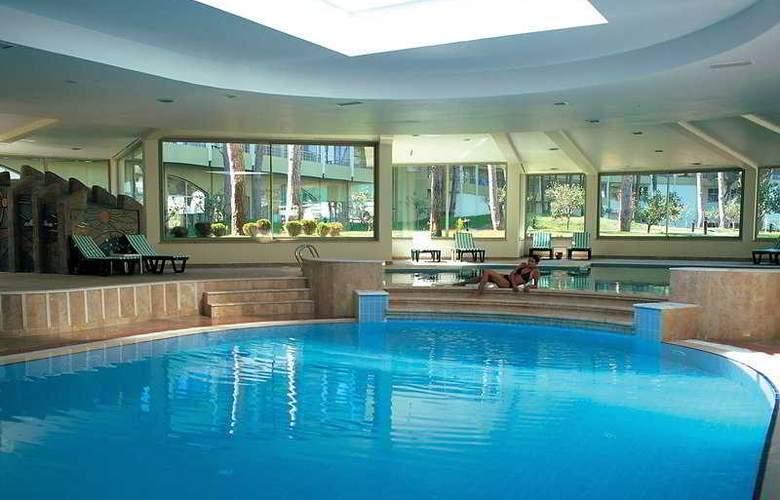 Maritim Pine Beach Resort - Pool - 4