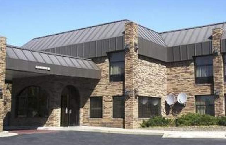 Quality Inn & Suites Indianapolis - Hotel - 0