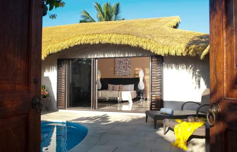 Crown Beach Resort - Hotel - 0
