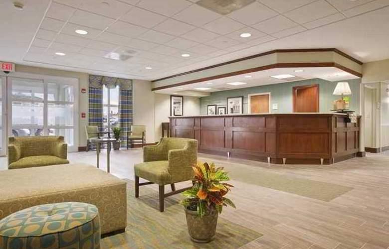 Hampton Inn & Suites Providence Warwick-Airport - Hotel - 0