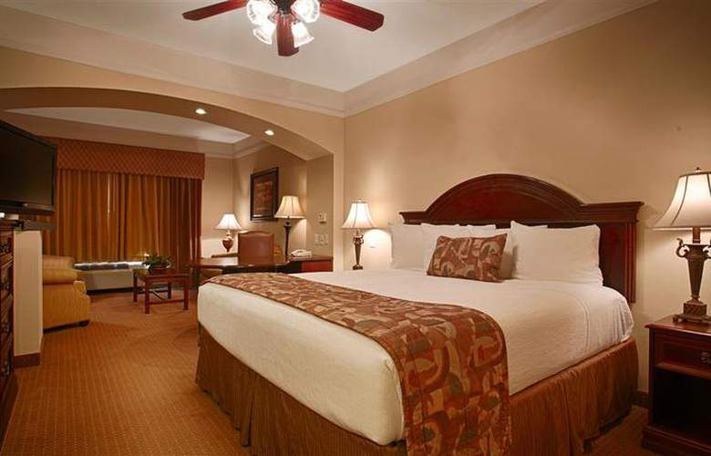Best Western Plus Monica Royale Inn & Suites - Room - 124