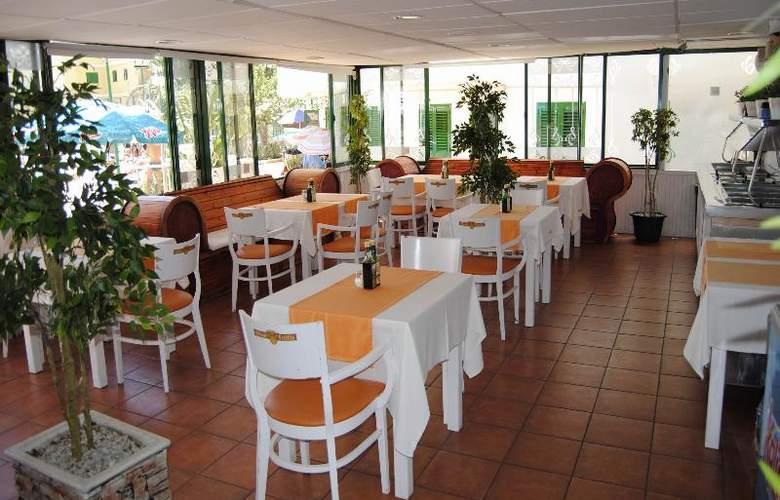 Las Faluas - Restaurant - 15