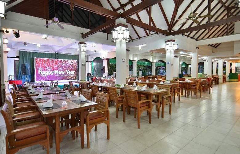 First Bungalow Beach Resort - Restaurant - 23