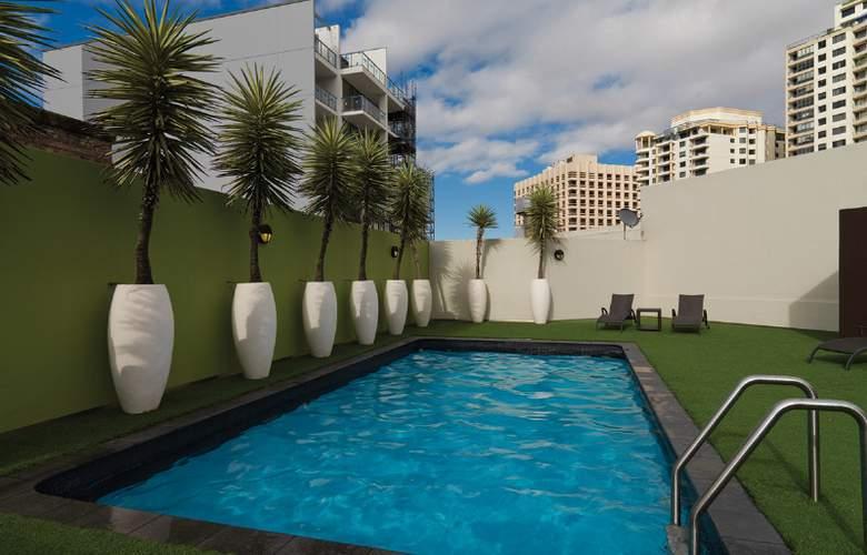 Vibe Hotel Sydney - Pool - 4