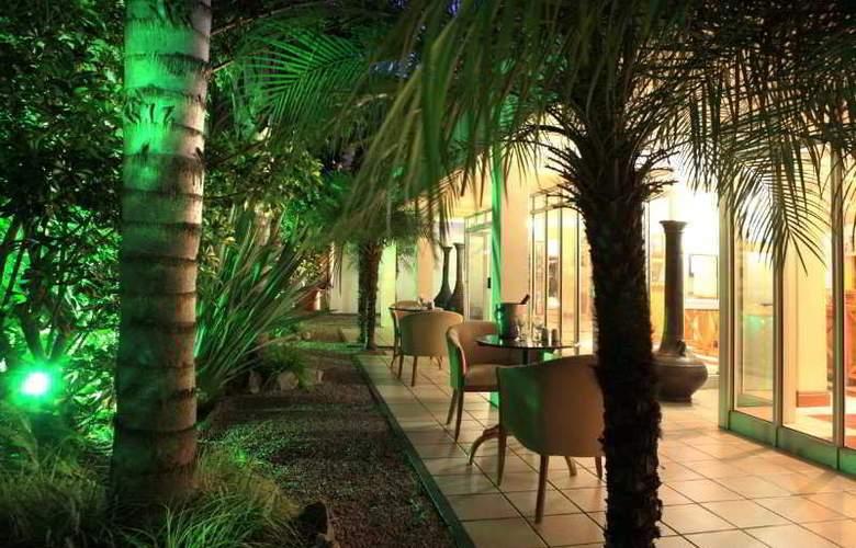 Protea Hotel Outeniqua - Bar - 17