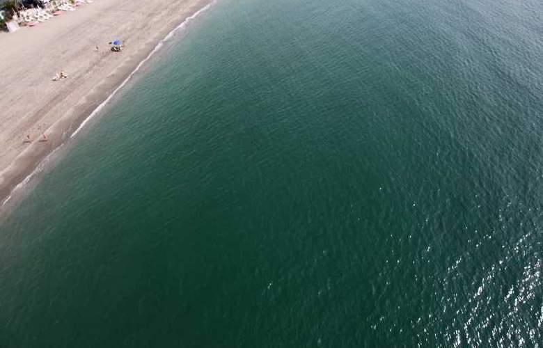 Marina Rey - Beach - 29