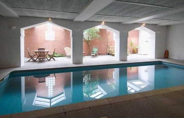 The Floris Hotel Bruges - Pool - 6