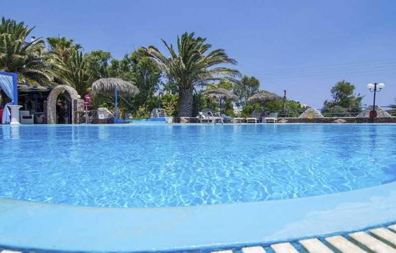 Villa Olympia - Pool - 1