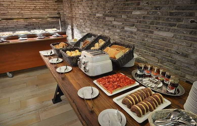 LOFT Bratislava - Restaurant - 17