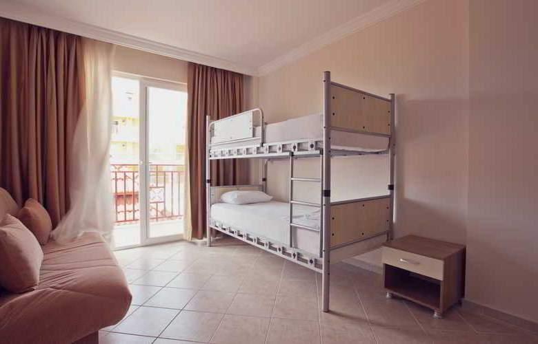 Cats Garden Studio & Apartments - Room - 15