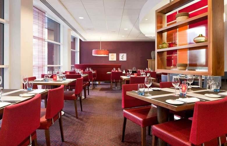 Novotel Leeds Centre - Restaurant - 67