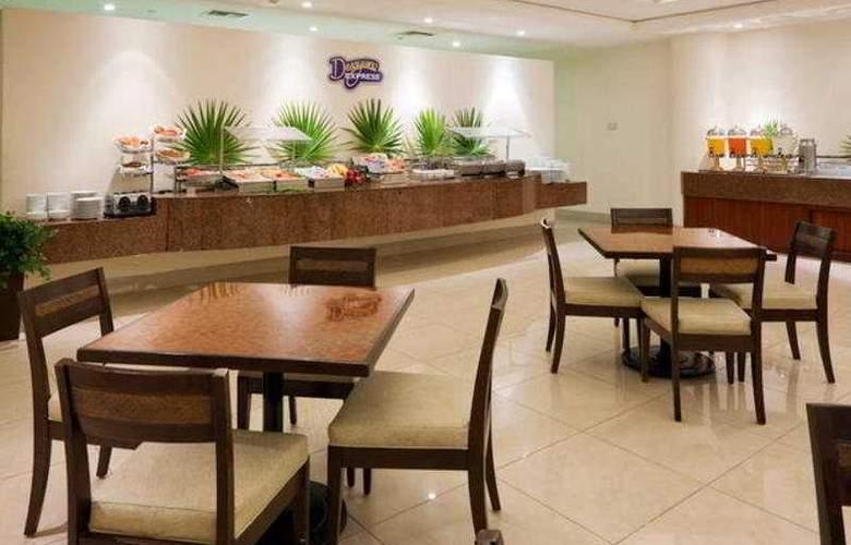 Holiday Inn Express Playacar - Restaurant - 11
