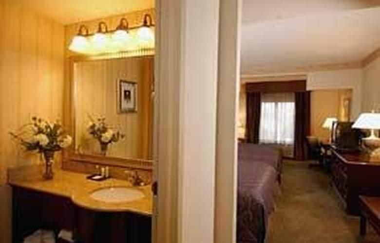 Comfort Suites Perimeter Center - Room - 5