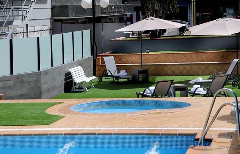 Sercotel Gran Luna de Granada - Pool - 42