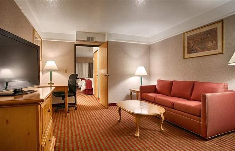 Best Western Plus Executive Suites Albuquerque - Room - 8