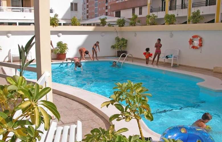 Calema - Pool - 3