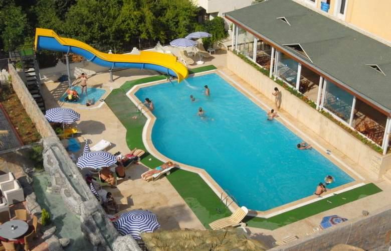 GRAND ATILLA HOTEL - Pool - 4