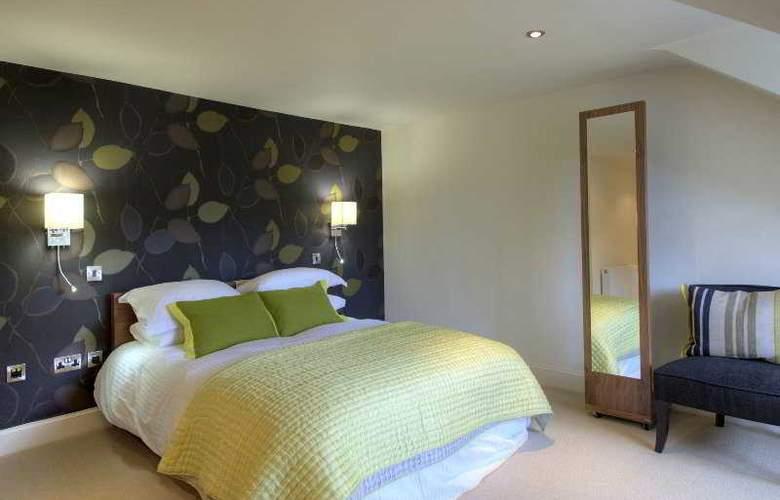 Clarendon Luxury Apartments - Room - 6