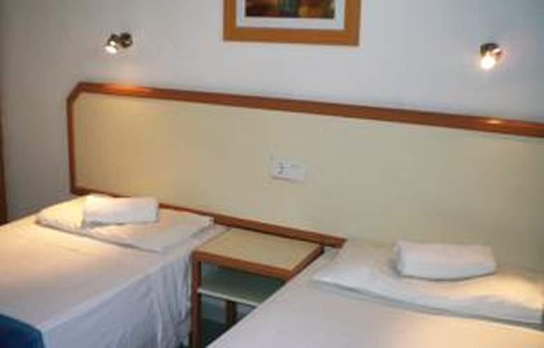 Apartamentos las Gacelas - Room - 8