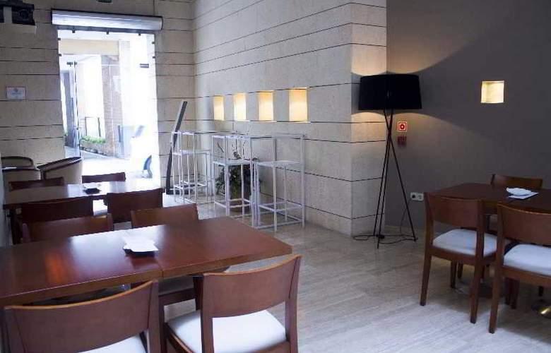 Rey Alfonso X - Restaurant - 51
