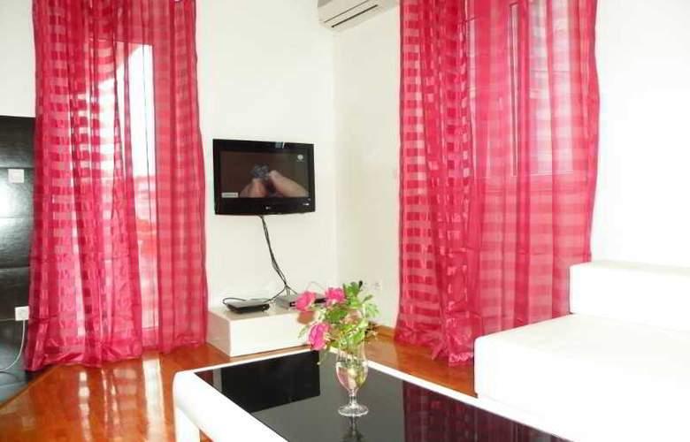 Villa Rosa - Room - 8