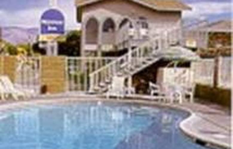 Rodeway Inn - Pool - 0