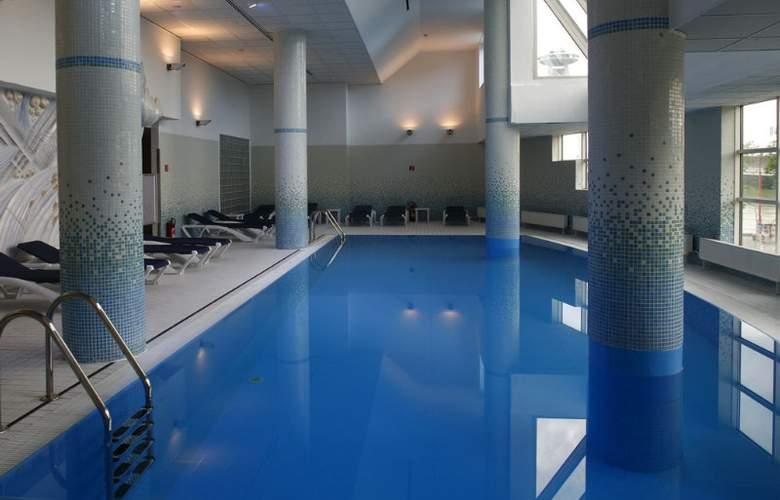 Park Inn Danube, Bratislava - Pool - 7