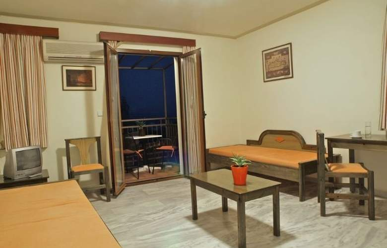 Alexandros M. Studios and Apartments - Room - 3