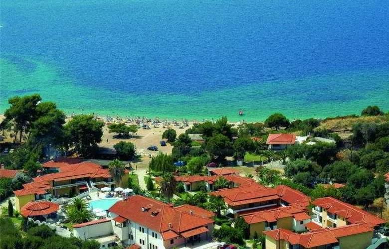 Lagomandra Beach - Hotel - 0