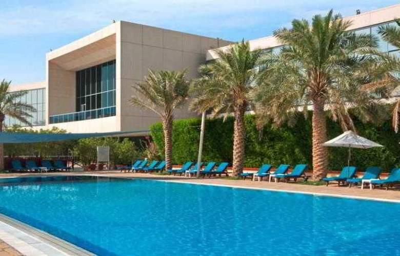 Hilton Kuwait Resort - Pool - 21