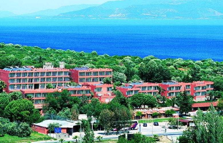 Pigale Beach Resort - General - 2
