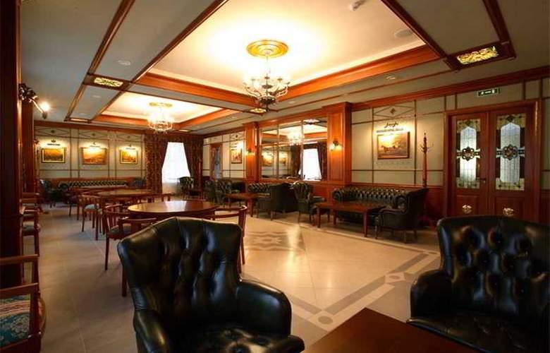 Lancaster Court - General - 13