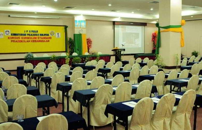 Langkasuka - Conference - 10