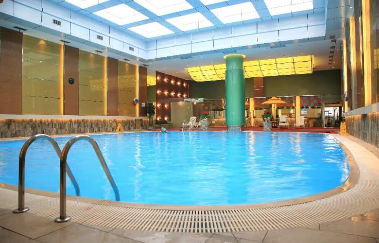 Tianyu Gloria Grand - Pool - 2
