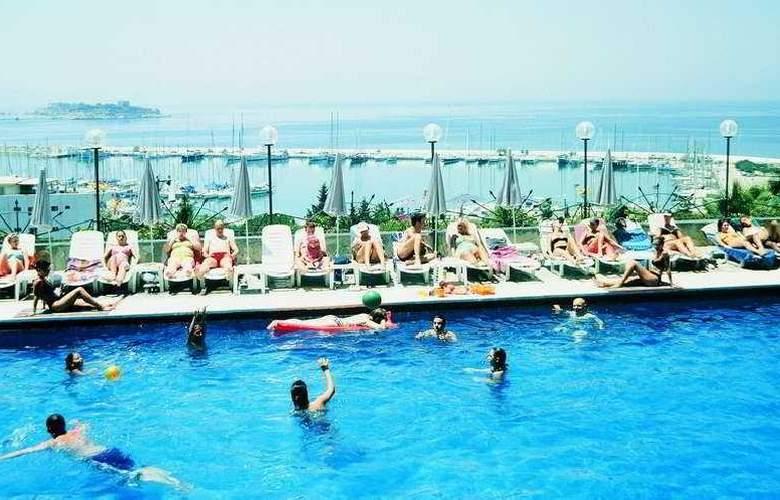 Grand Onder Hotel - Pool - 3
