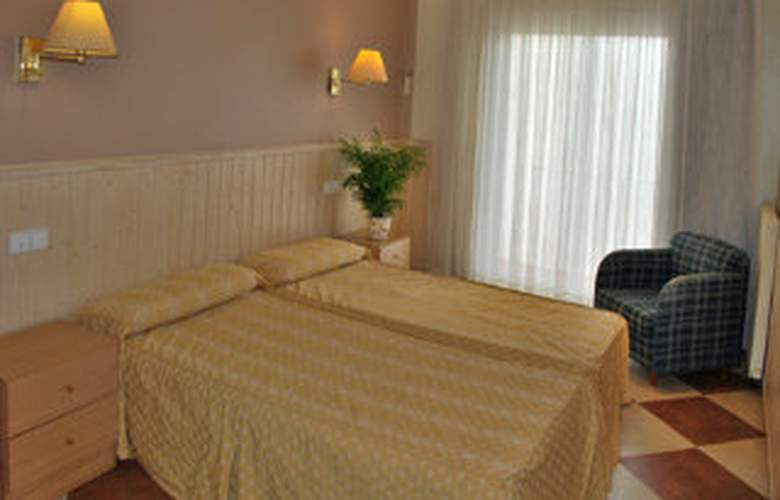 Picadilly Sitges - Room - 2