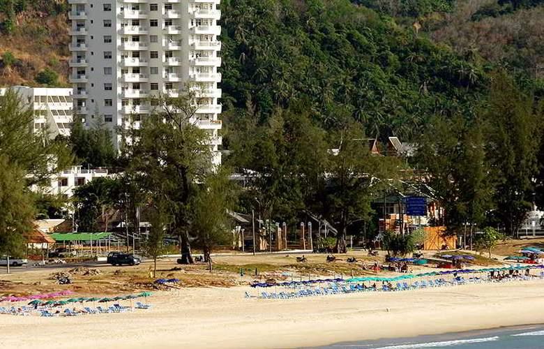 Waterfront Suites Phuket by Centara - Hotel - 8