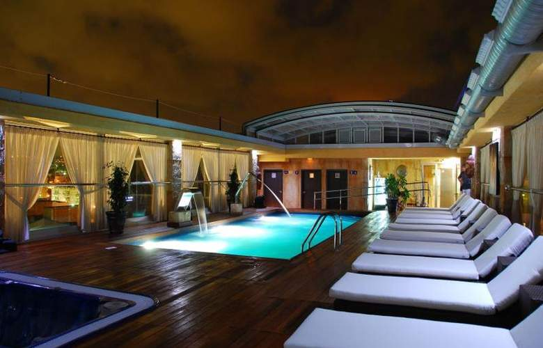 Exe Cunit Suites & Spa - Pool - 10