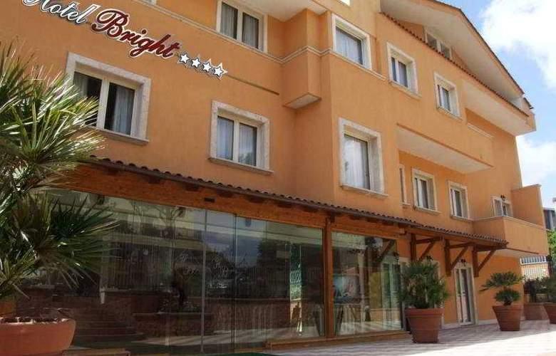 Bright - Hotel - 0