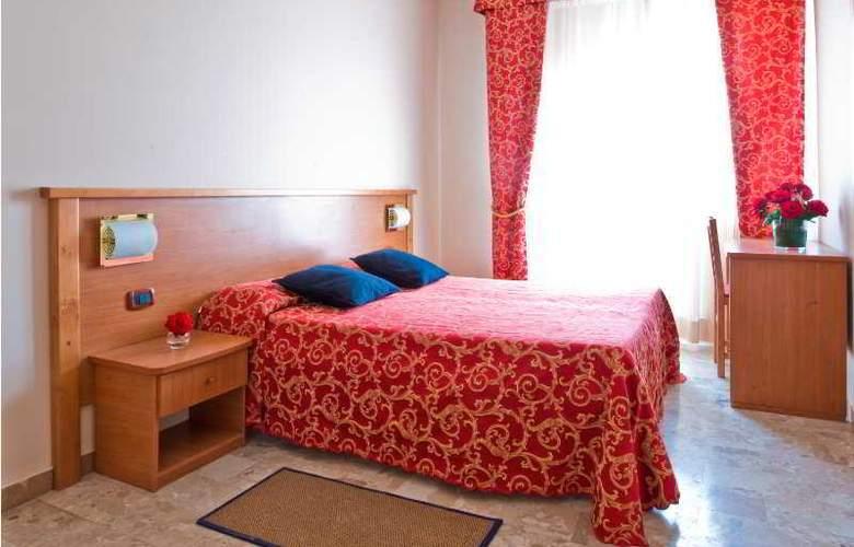 Franchi - Room - 6