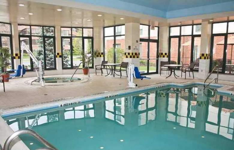 Hilton Garden Inn Poughkeepsie/Fishkill - Hotel - 9