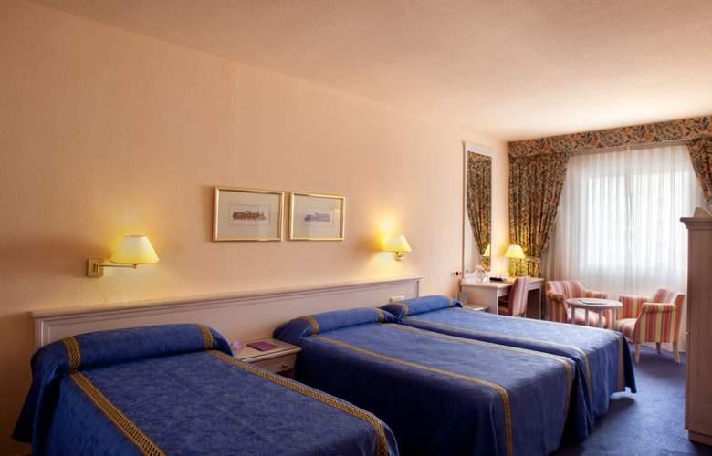 Ayre Hotel Sevilla - Room - 11