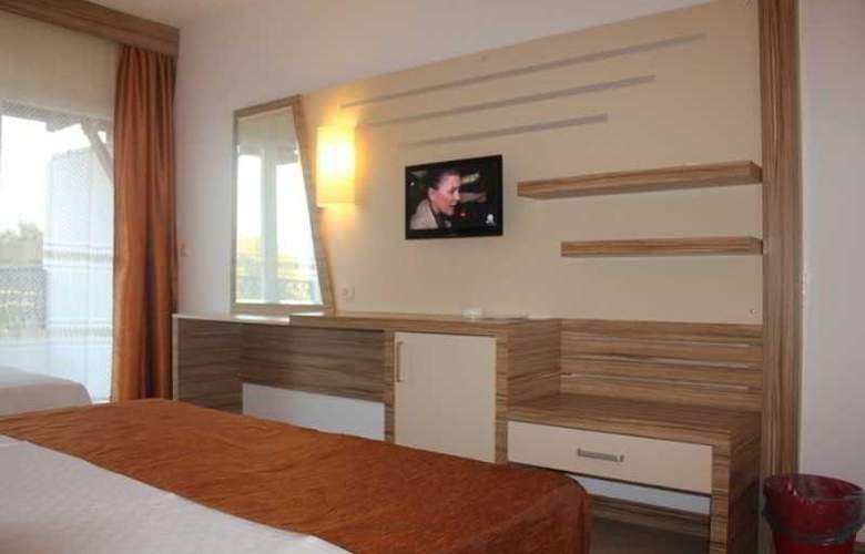 Serhan - Room - 6