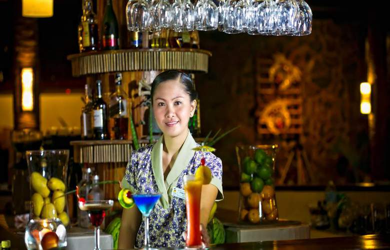 Fridays Boracay Resort - Bar - 5