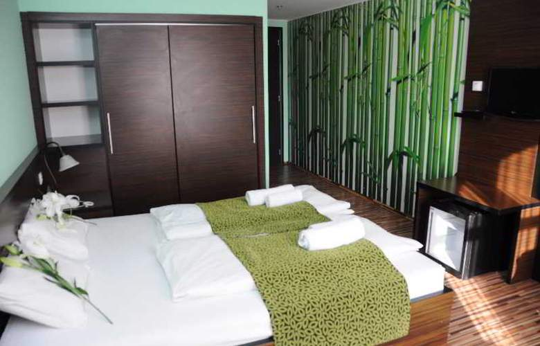 Green Hotel Budapest - Room - 8
