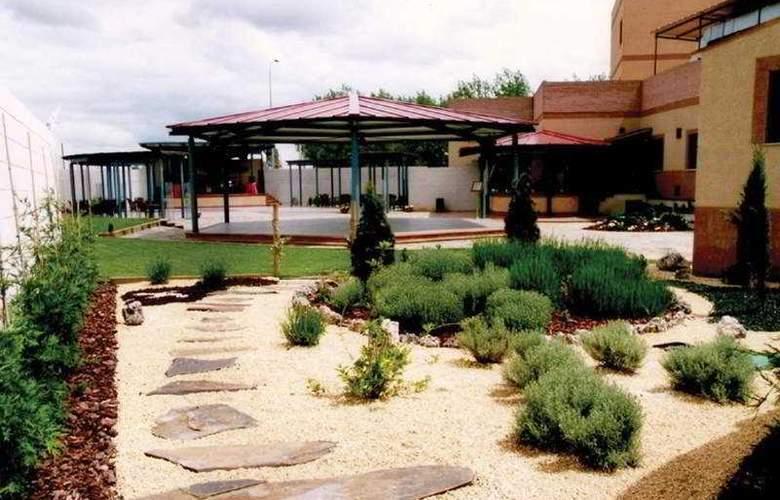 Villa de Benavente - Terrace - 1