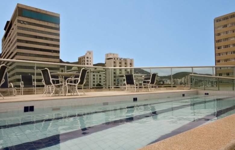 Quality Hotel Afonso Pena - Pool - 8